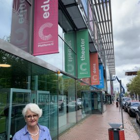 Raadslid Anne-MIeke bij Platform C.
